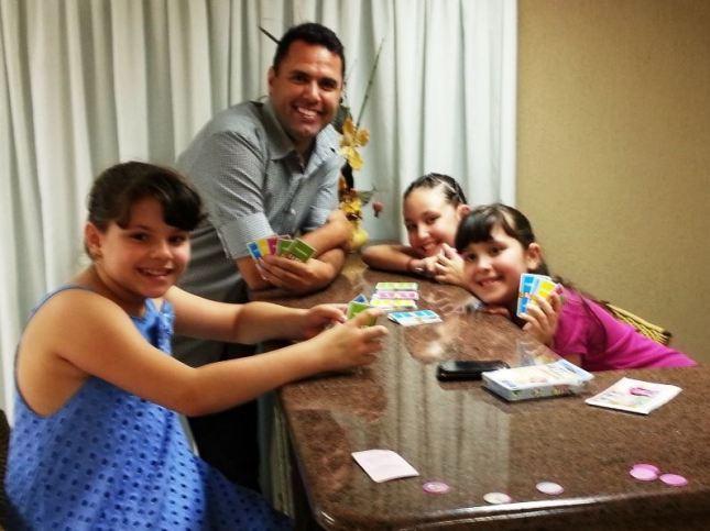 Jogo da Vida com as meninas